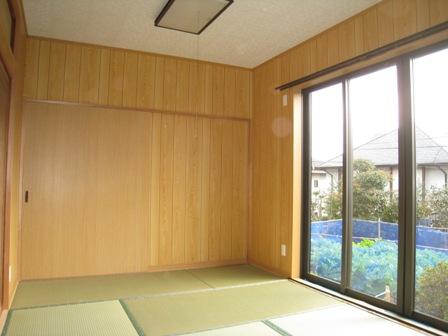 テラスを撤去して和室を増築